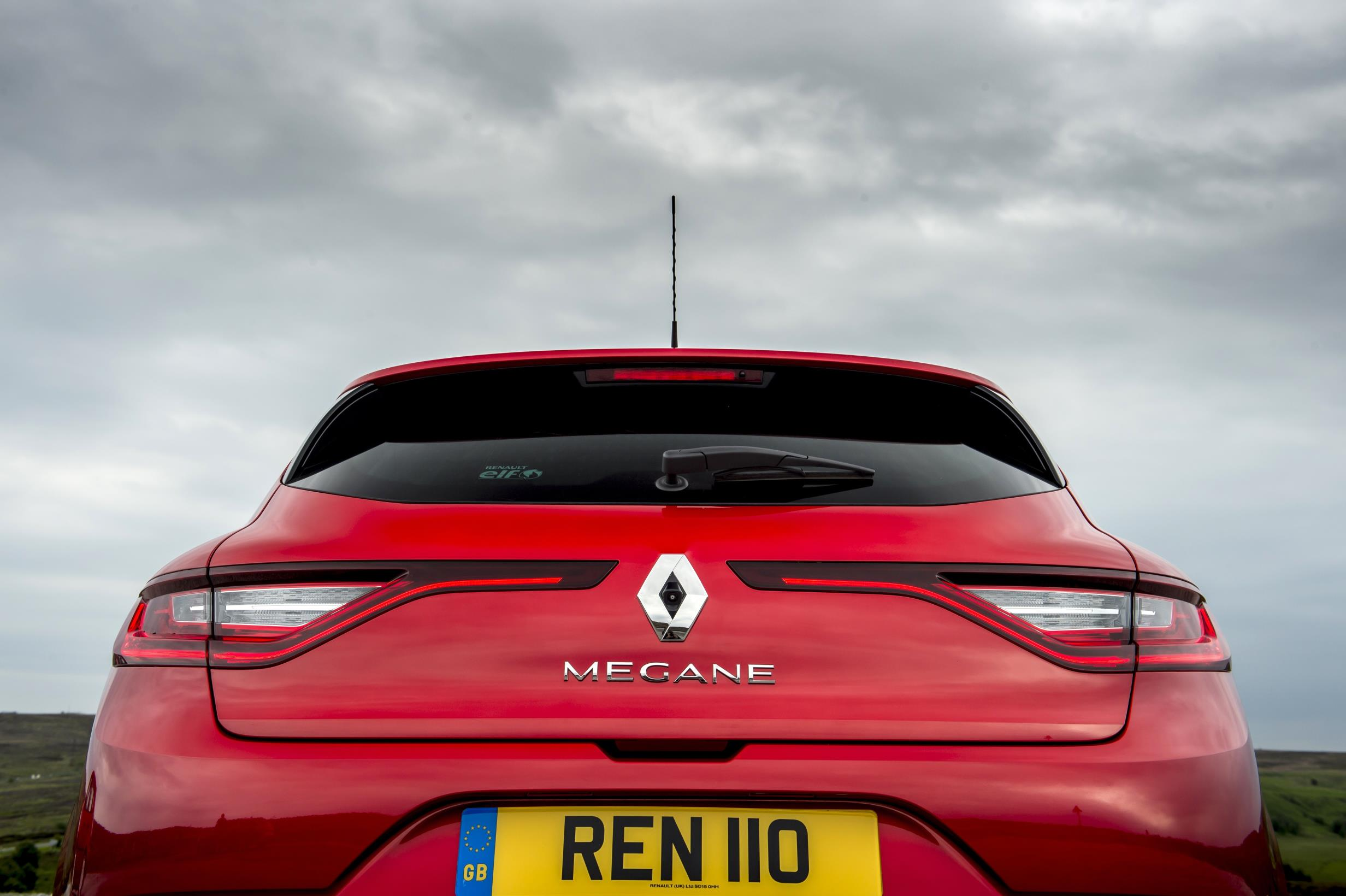 Renault Megane Dynamique S  28   U2013 Car Indicators