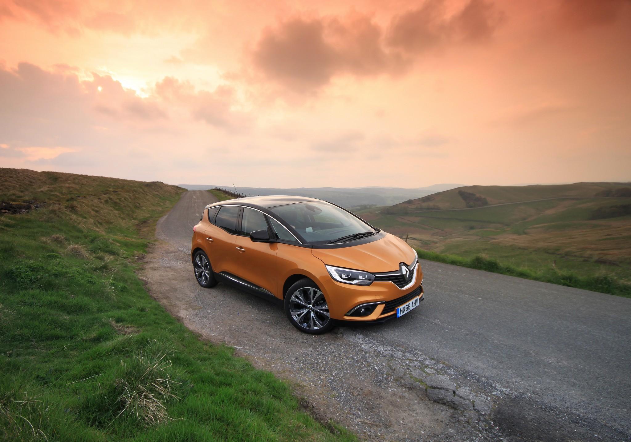 Renault Scenic Dynamique S Nav 1.5 dCi 110 - Review