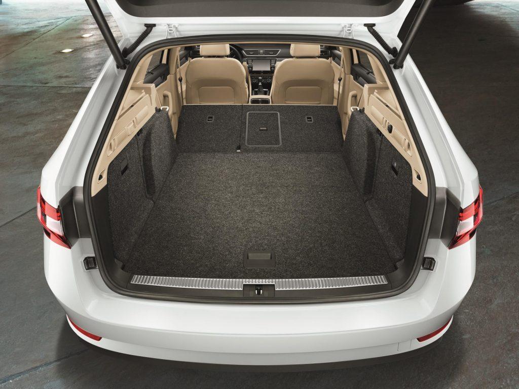 Skoda Superb Estate Sportline 4x4 Dsg Review Car Indicators