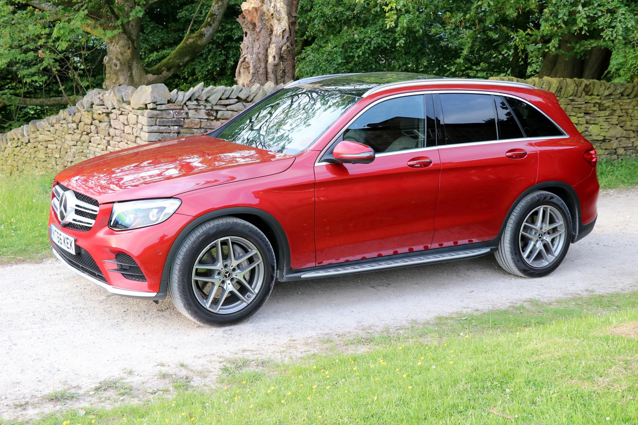 mercedes benz glc 250d amg line car review car indicators. Black Bedroom Furniture Sets. Home Design Ideas