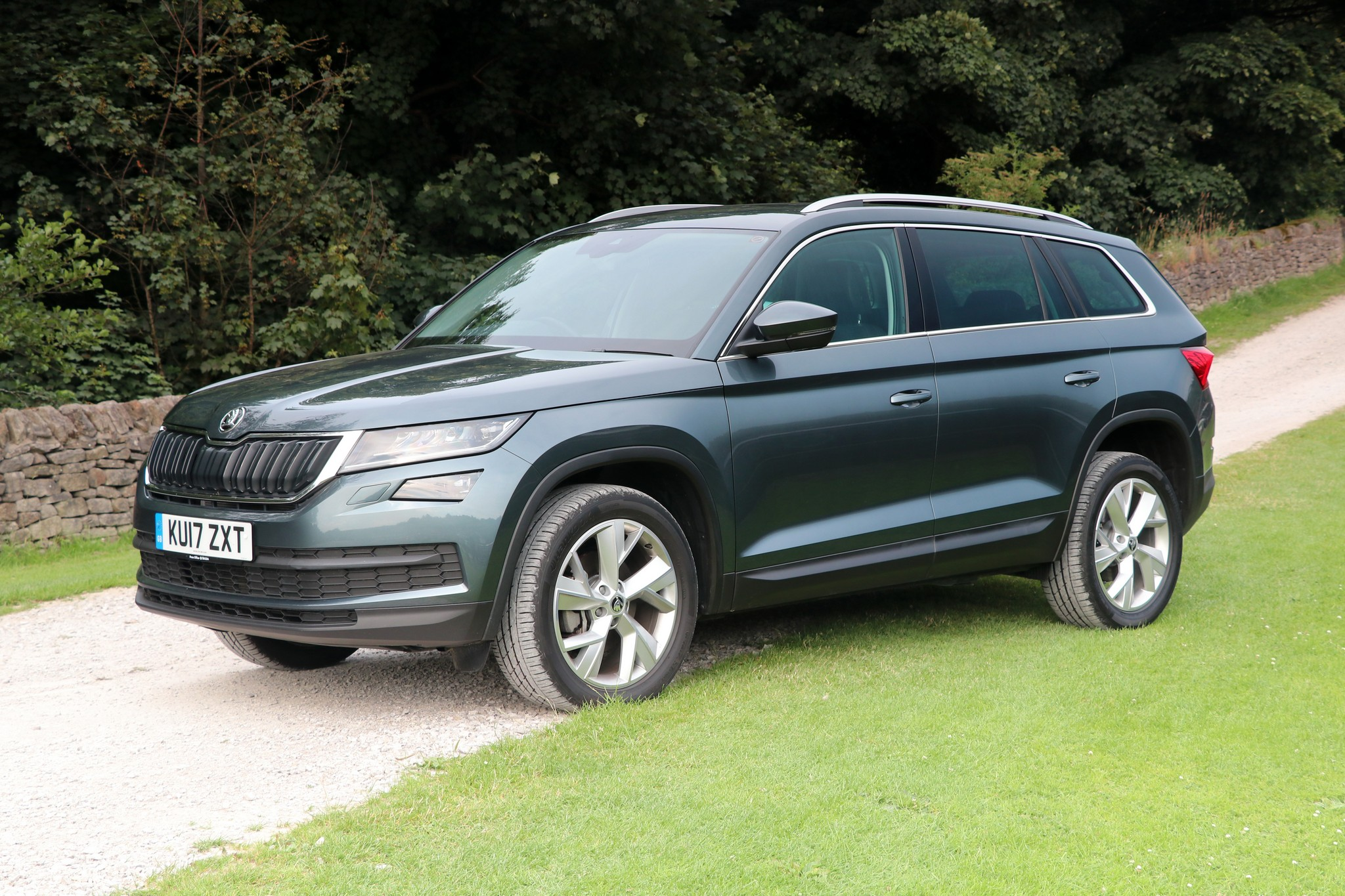 skoda kodiaq edition 2 0 tdi dsg car review. Black Bedroom Furniture Sets. Home Design Ideas